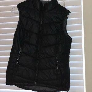 H&M sport Puffy Vest